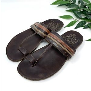 OluKai PAHILI Brown Leather Toe Loop Sandal 39